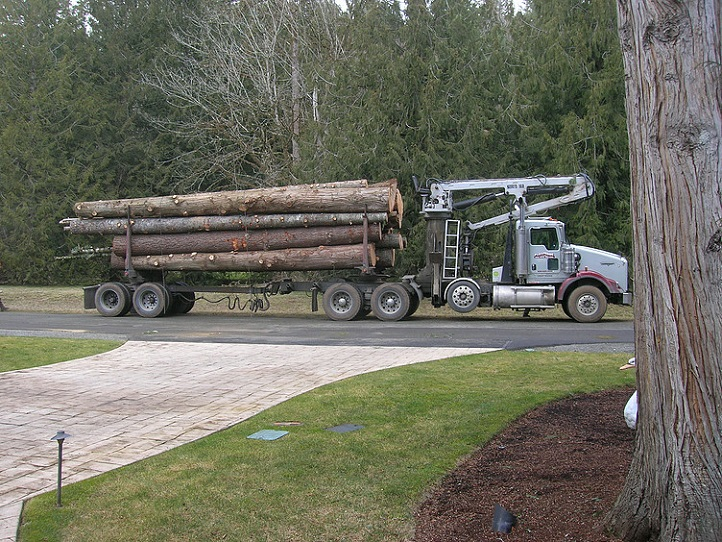 P&D Log Truck - Log truck loads are also available. This will typically provide many years worth of firewood. Call for more details.